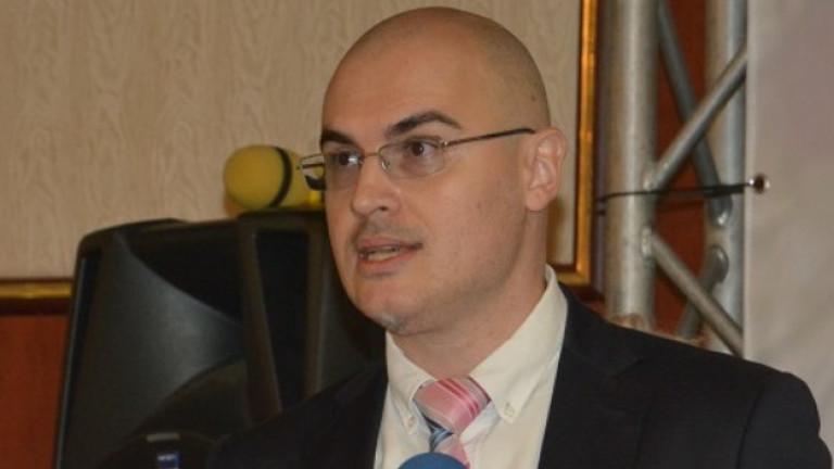 Софийска градска колегия също проверява за плагиатство Петър Илиев