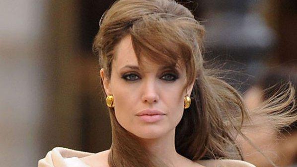 Анджелина Джоли с амбиция за генерален секретар на ООН