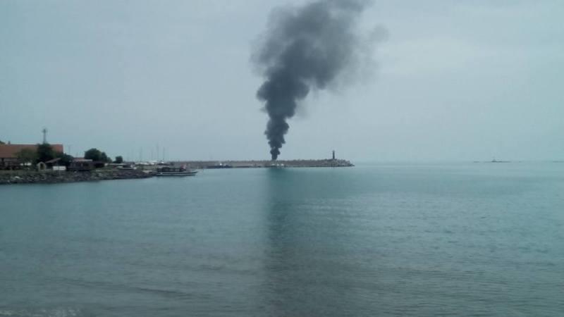 Яхта изгоря в Царево