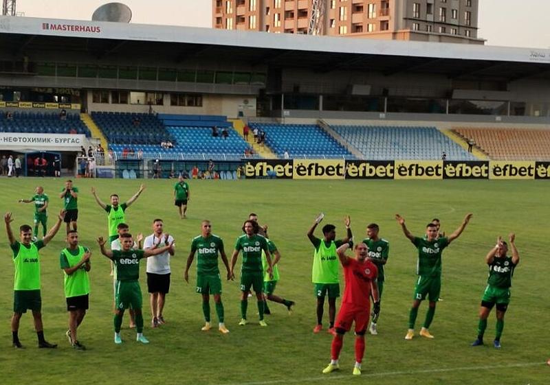 Футболният Нефтохимик спечели първа победа в първенството