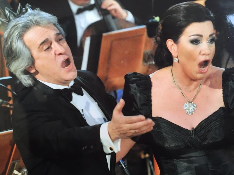 """Еделина Кънева и Орлин Горанов разказват """"Приказка за двама"""" на бургаска сцена"""