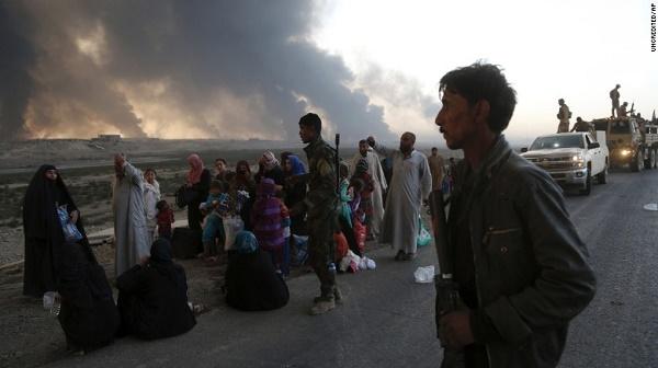 Ислямисти екзекутираха близо 300 мъже и деца край Мосул