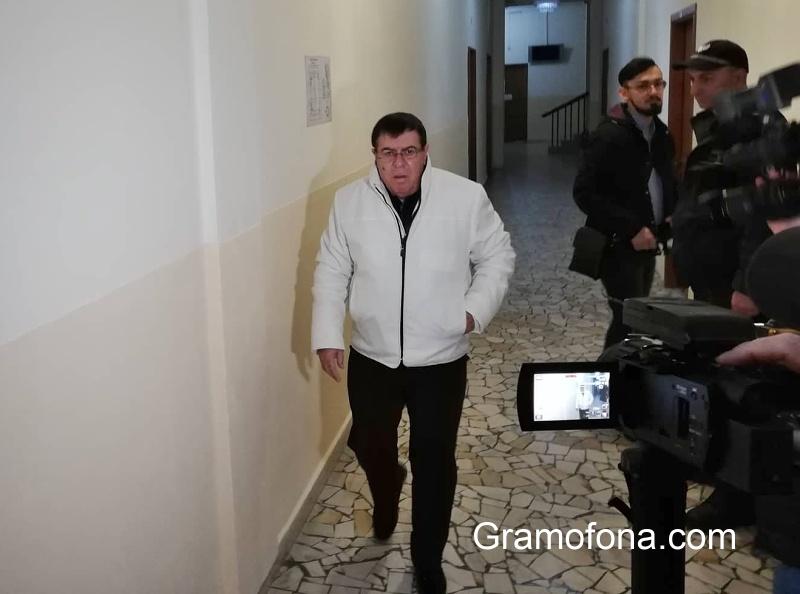 Бенчо Бенчев може да се лекува в чужбина, допусна съдът