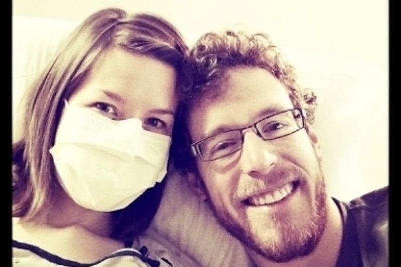Жена е толкова алергична към мъжа си, че не може да стои в една стая с него