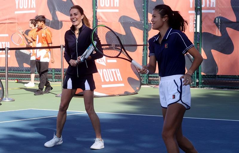 Кейт Мидълтън предизвика фурор на тенис кортовете в Лондон