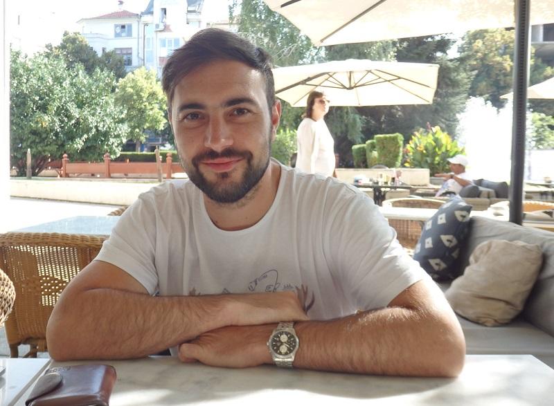 Любен, който твори в Прага, но за нищо не заменя Бургас