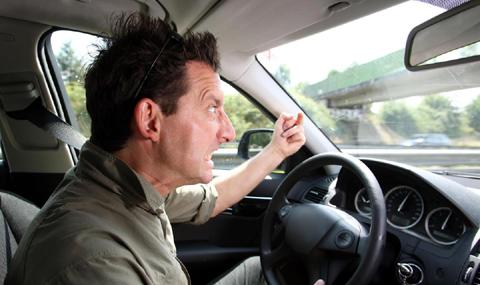 Британските шофьори псуват на всеки 4 километър