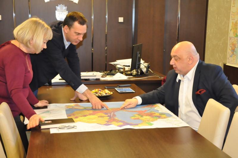 Кралев търси място за нов стадион в Бургас за световно по футбол