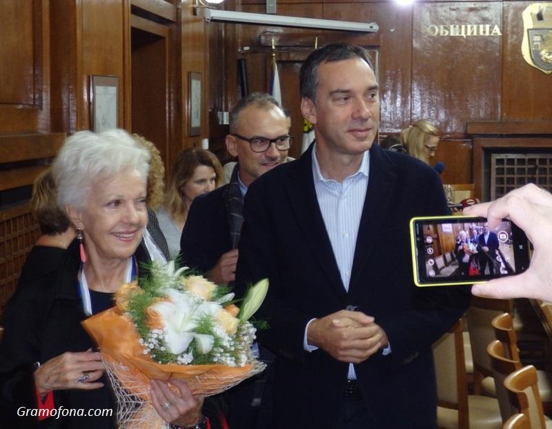 """Райна Кабаиванска стана първият чужденец, взел италианската награда """"Мария Калас"""""""