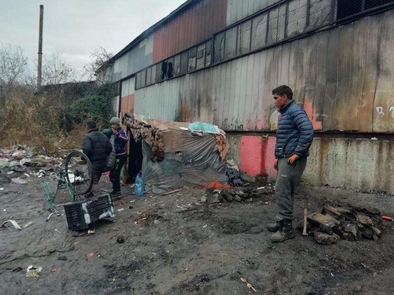 """Полиция и общинари разтуриха ромски катун край """"Славейков"""""""