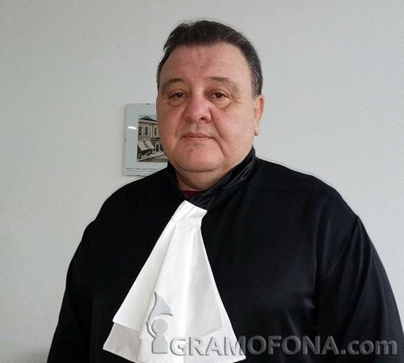 Обвинение срещу д-р Димитров ли? Той е защитил собствеността си, която е неприкосновена
