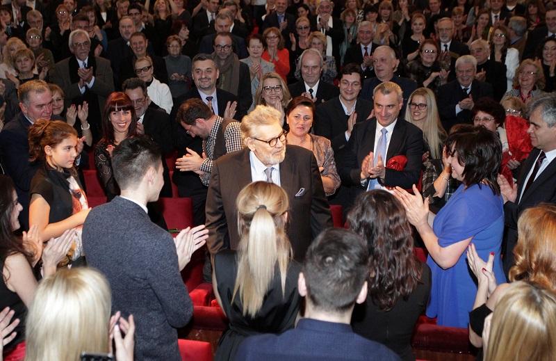 Близо 800 души аплодираха на крака Стефан Данаилов в Народния театър
