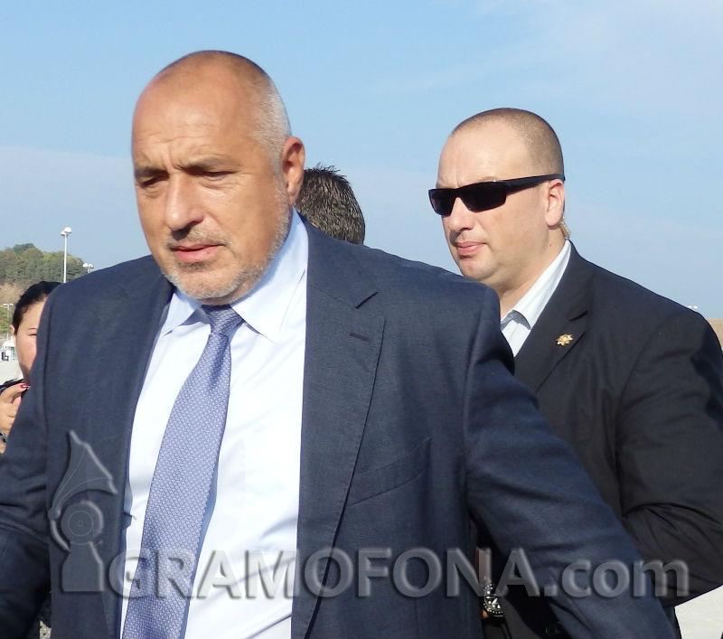 Бойко Борисов увери жителите на Хитрино в бързата работа на властите