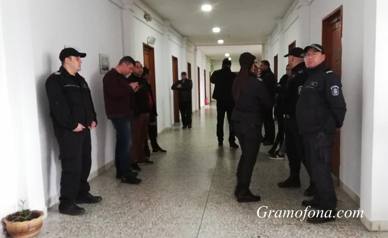 Запис показва как шофьор си купува водка преди фатална катастрофа в Приморско
