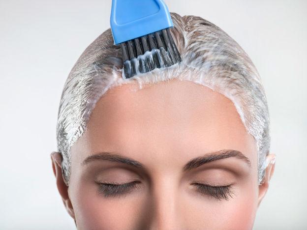 Британски специалист: 6 пъти годишно жените да боядисват косата си