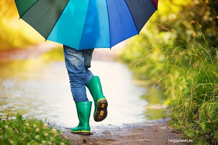 Метеоролозите отново предупреждават за дъжд и гръмотевици