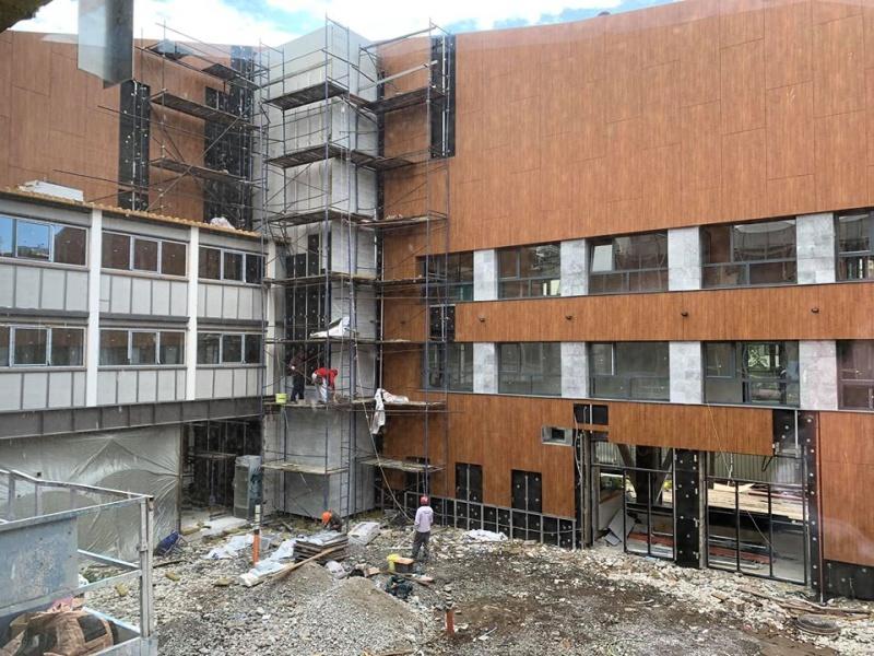 Ремонтът на Дома на НХК тече ударно, очаква се да е готов за Никулден