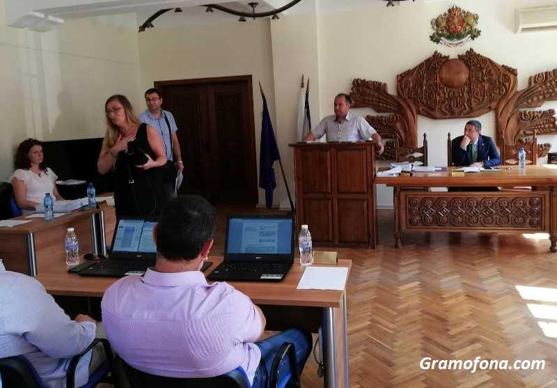 Местният парламент в Царево върна глобите за нелегално къмпингуване