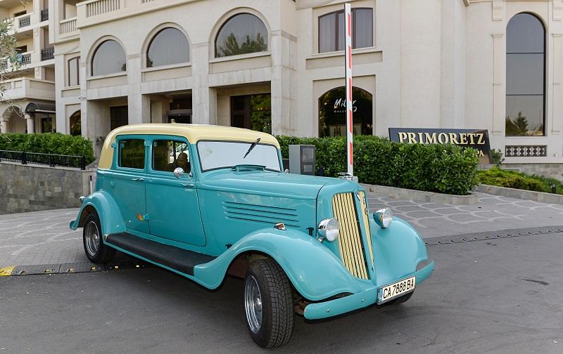 XII Ретро парад показва ценни автомобили от 8 държави тази събота  на Пантеона в Бургас