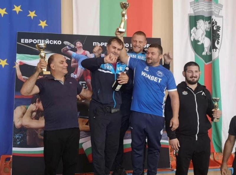 Голям успех за борците от Черноморец-Бургас