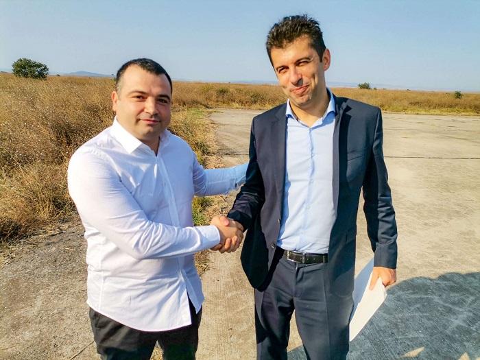 Министърът на икономиката подкрепя проекта на Бачийски за второ летище в Бургас