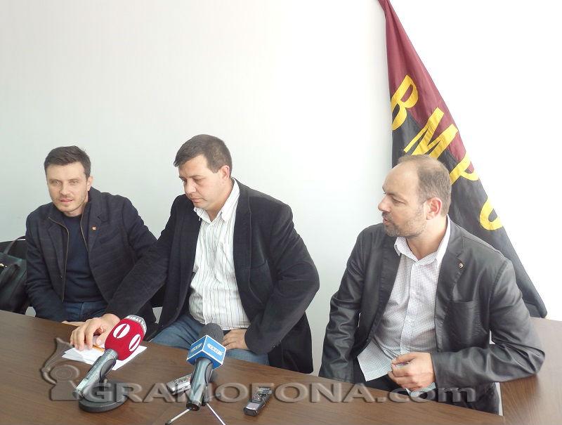 Воеводите в Бургас искат Каракачанов за президент