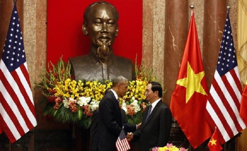 САЩ отмени военното ембарго срещу Виетнам