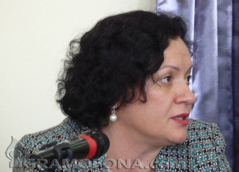 Ивелина Василева: Първо къмпинги, а после забрани