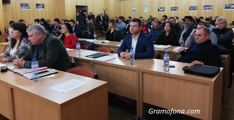 Опозицията в Средец три часа критикува бюджета, но накрая подари един глас на управляващите