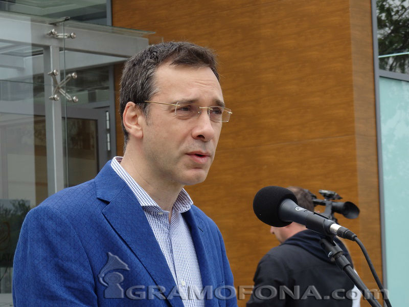 Кметът доволен, че е извън кандидат-президентските сметки