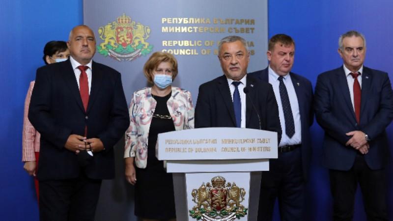 Бойко Борисов остава премиер, обяви Валери Симеонов