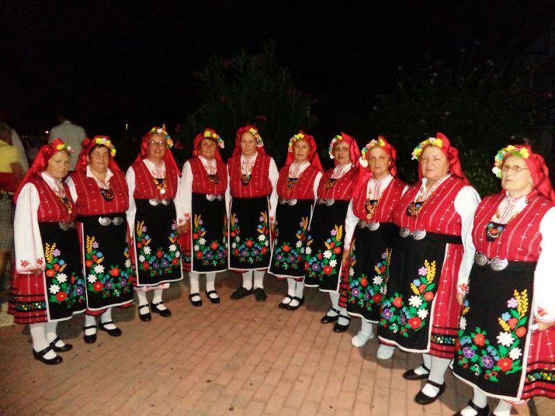 Поморийски фолклорни групи с първи места от италиански фестивал