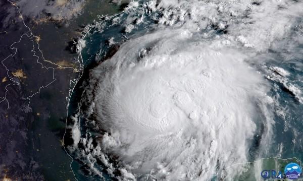 Страшна буря връхлетя Бахамите