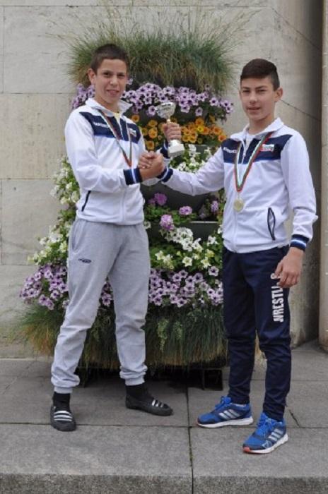 Бургаски деца са шампиони по класическа борба