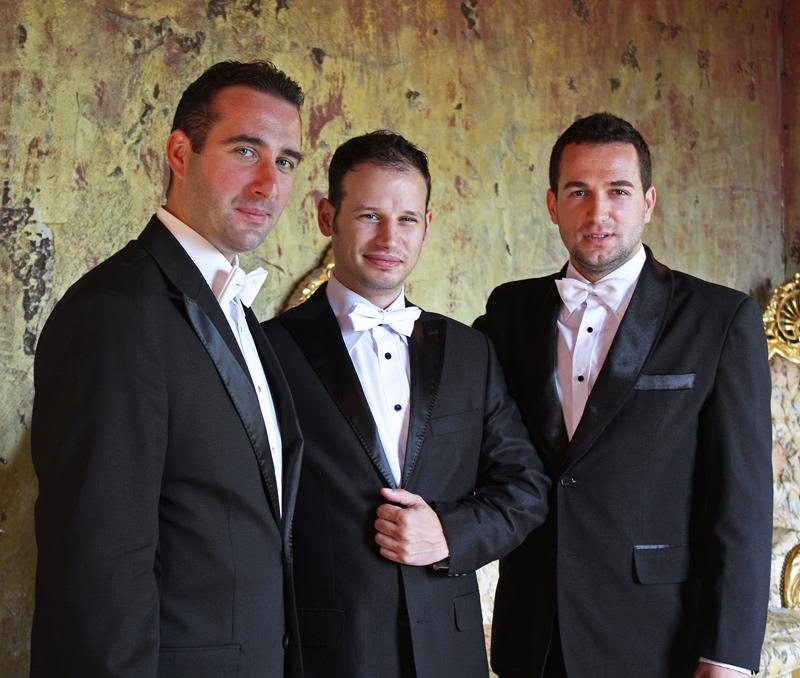 Трио Тенорите на сцената на бургаската опера
