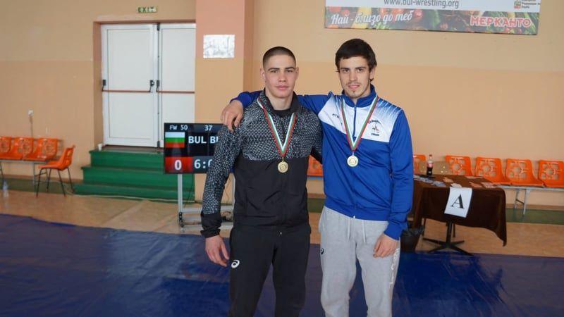 """Два златни медала отнесоха борците от """"Черноморец"""""""