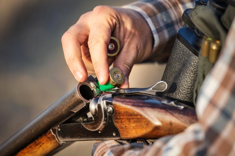 Спипаха незаконни ловни патрони в Бургас и Каменар