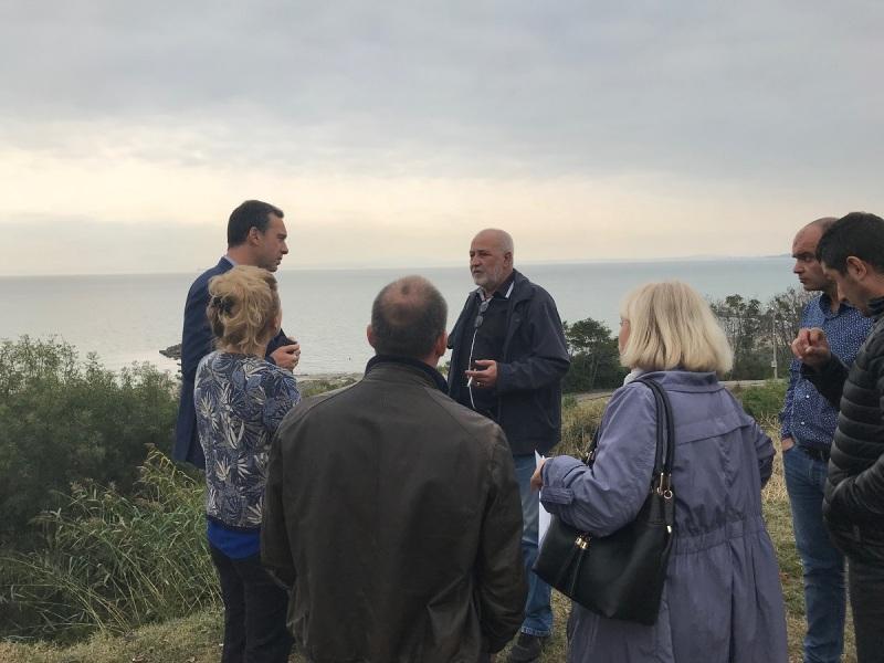 Предприемат спешни мерки за укрепване на свлачищата в Сарафово