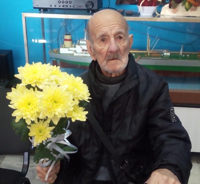 89-годишен бургазлия ще рисува Евиния плаж