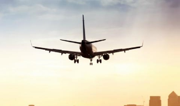 Затвориха лондонско летище заради бомба