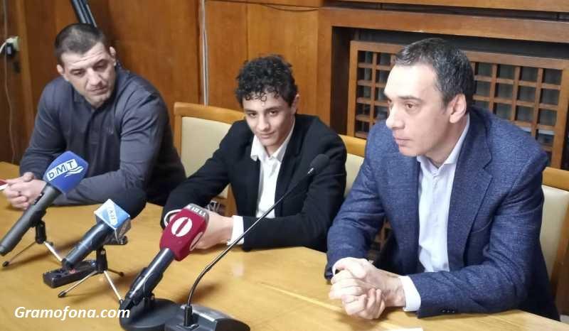 Сълзи и бурни аплодисменти за Едмонд Назарян в Бургас