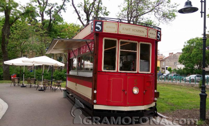 Трамвая в Морската - новото място за срещи в Бургас