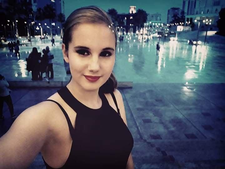 Ученичка от Бургас започна да учи грузински заради коронавируса
