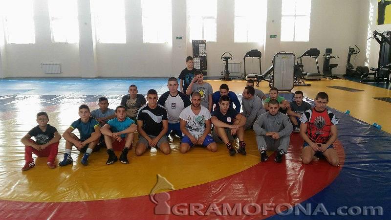 """Златните борци на """"Черноморец"""" чакат още златни медали"""