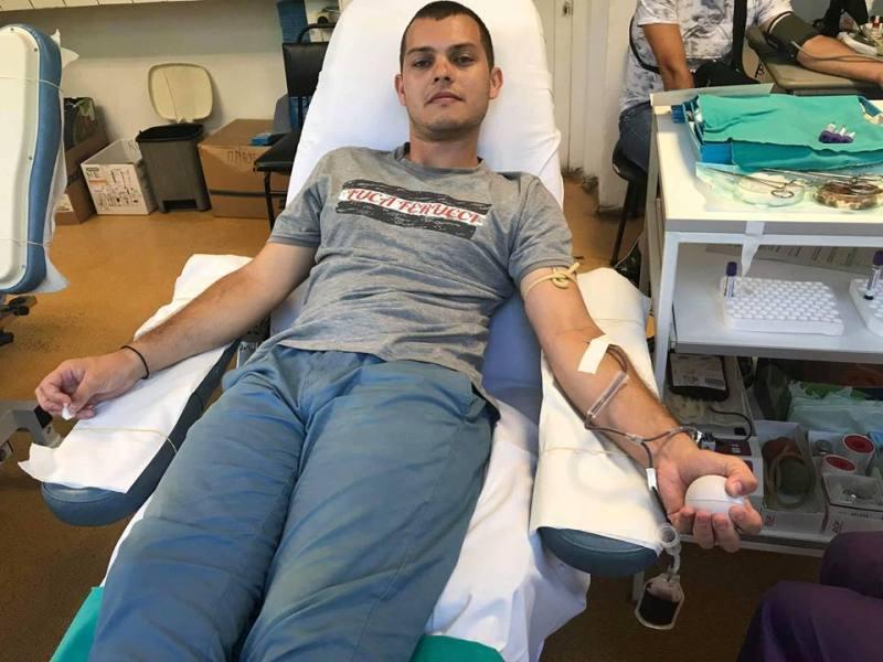 Младежи от ГЕРБ-Бургас след акция: Дарете кръв, бъдете съпричастни
