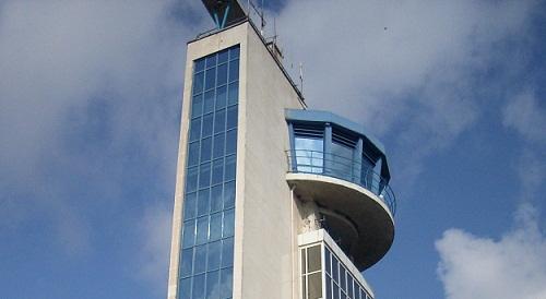 Летище Бургас забави ремонта си заради туристи