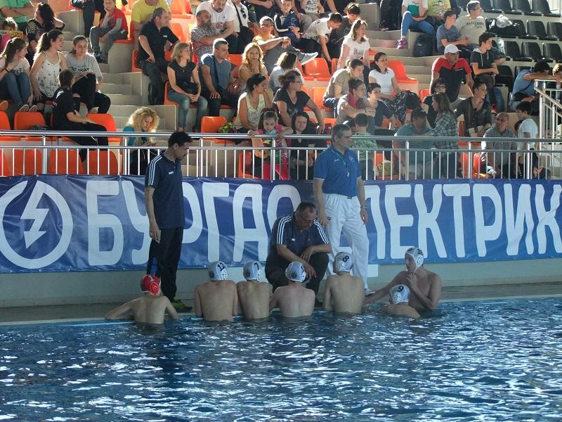 Скандално съдийство спря ватерполистите на Черноморец