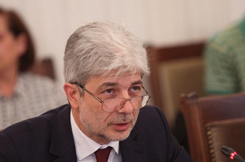 Министър Димов за тоновете мазут в морето: Ситуацията е овладяна