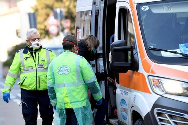Коронавирус в Бургас? Завърнал се от Италия мъж е изолиран в Инфекциозното отделение