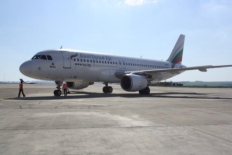 Повече полети до Бургас това лято